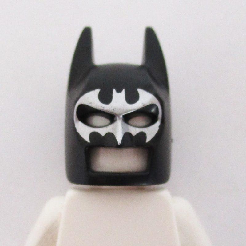 Batman Mask w/ Graphic - Black